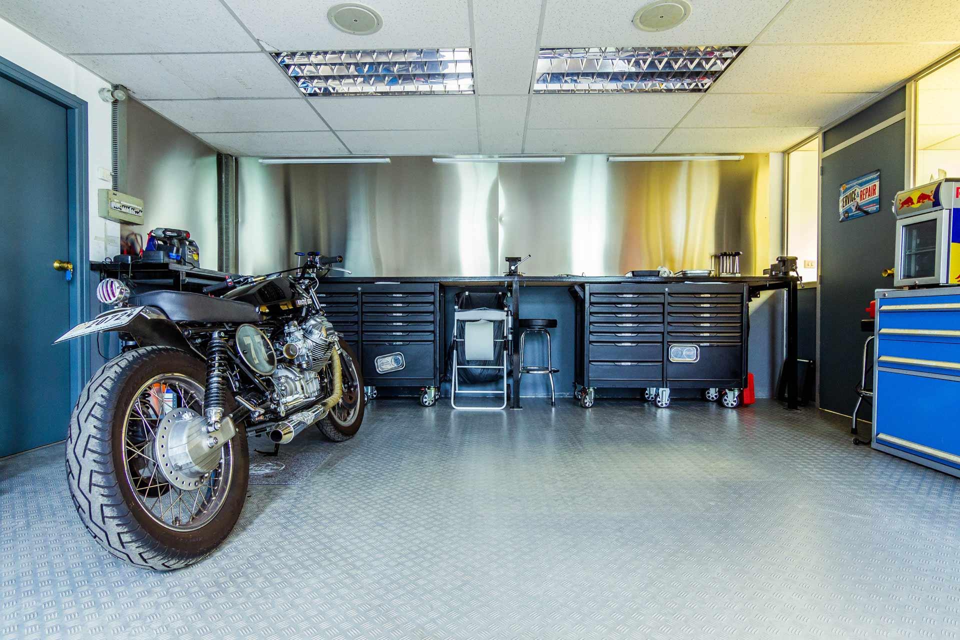 mécaniciens moto