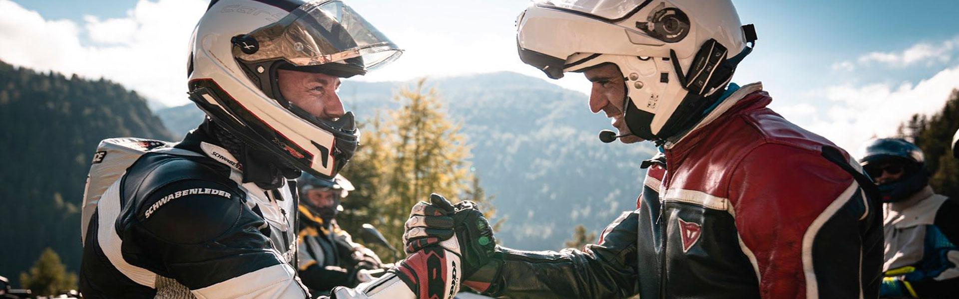 Sena et Interphone s'associent pour connecter les pilotes du monde entier