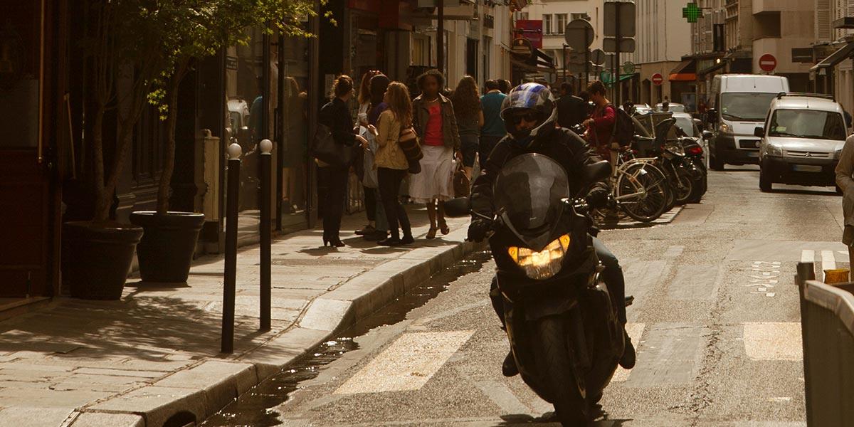 Paris roule au pas : la vitesse sera limitée à 30kmh à la fin août 2021
